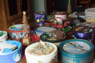 The table of cookie tins